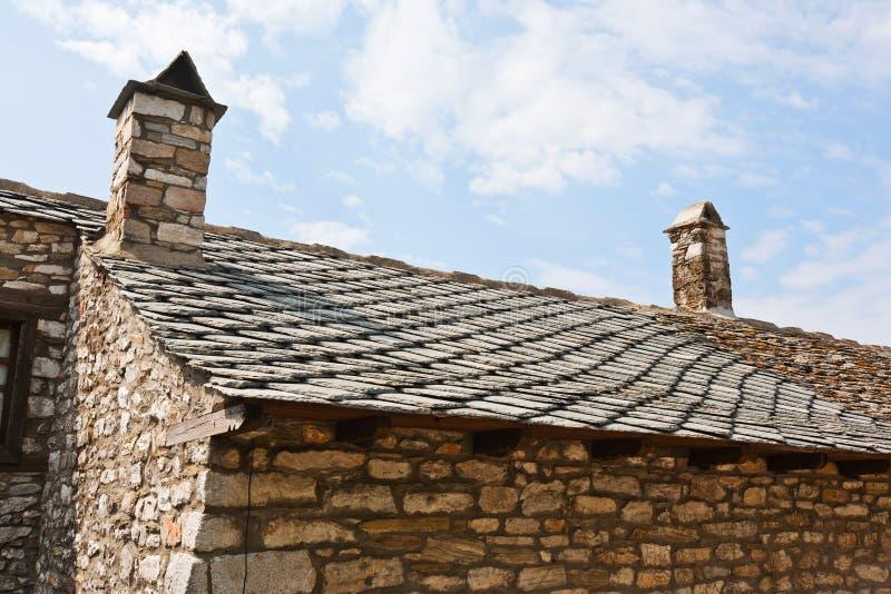 Dessus de toit de la maison en pierre, Grèce image libre de droits