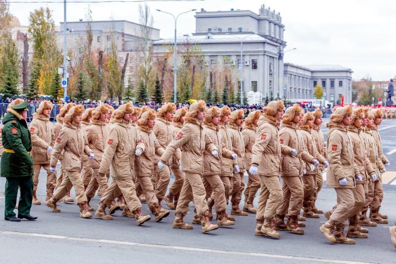 Destacamento de Unarmeysky do movimento social militar-patriótico GDPOD do Todo-russo na parada imagens de stock royalty free