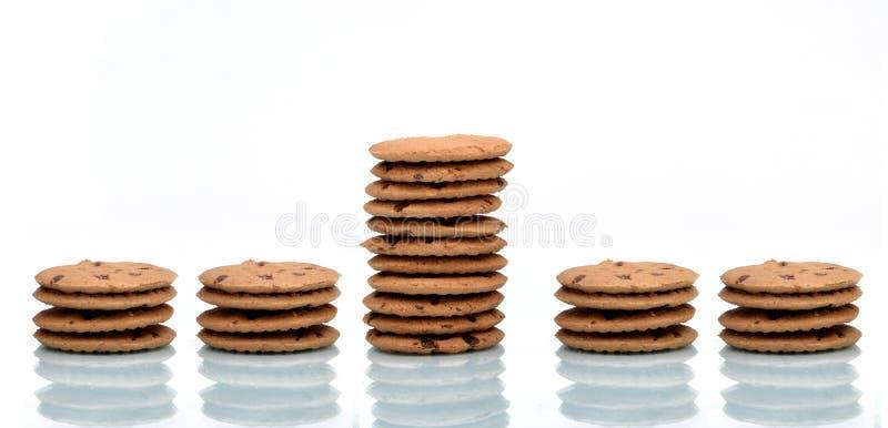 Destaqúese el concepto usando el chocolate Chip Cookies fotos de archivo libres de regalías