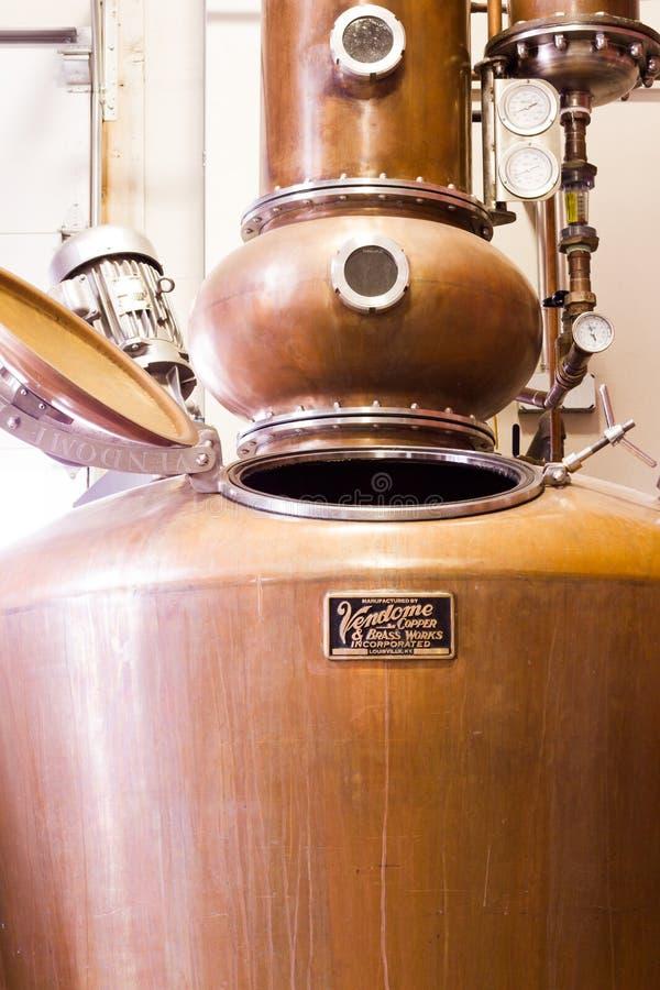 Destilador de cobre imágenes de archivo libres de regalías
