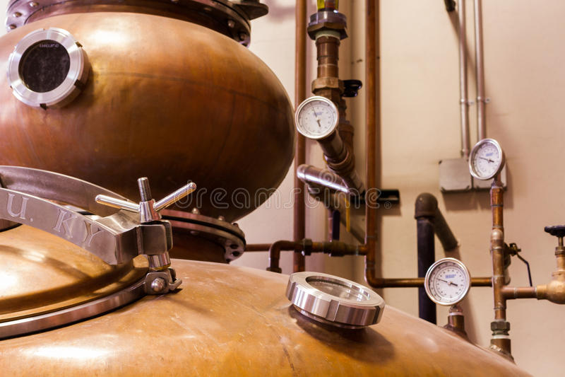 Destilador de cobre fotografía de archivo