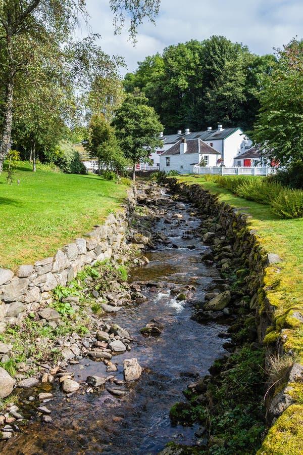 Destilería del whisky de Edradour en Pitlochry, Escocia imagen de archivo libre de regalías