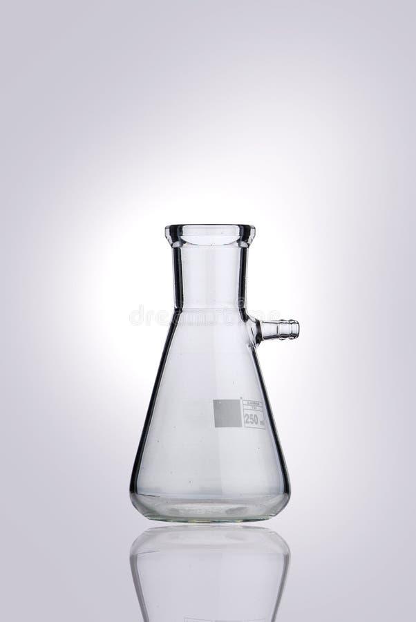 Destinataire de chimie dans une ambiance de laboratoire photographie stock