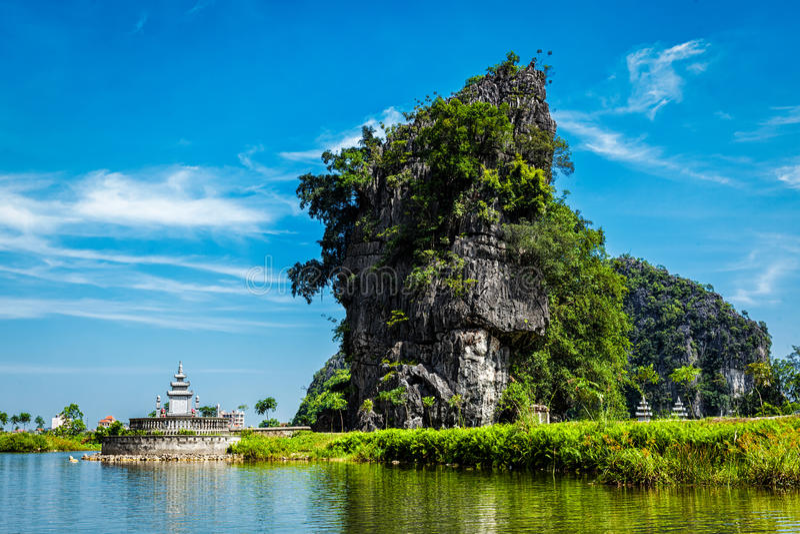 Destination de touristes de Tam Coc au Vietnam photographie stock