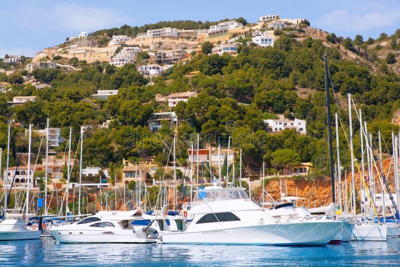 Destination de vacances de marina de port de Javea Xabia dans Alicante photographie stock libre de droits