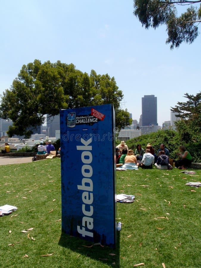 Destination för Facebook Blackberry kurvutmaning: Alcatraz tecken royaltyfri bild