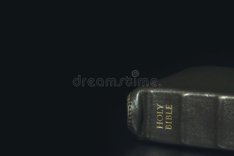 Destinerad helig bibel för enkelt läder royaltyfria bilder