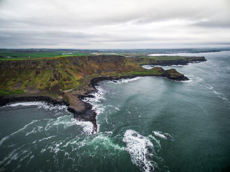 Destino - gigante causeay na Irlanda imagem de stock