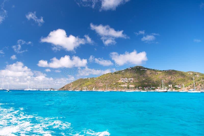 Destinos das férias de verão Ideias exóticas das férias Praia do mar das férias O lugar perfeito para relaxar o corpo recarrega a fotografia de stock