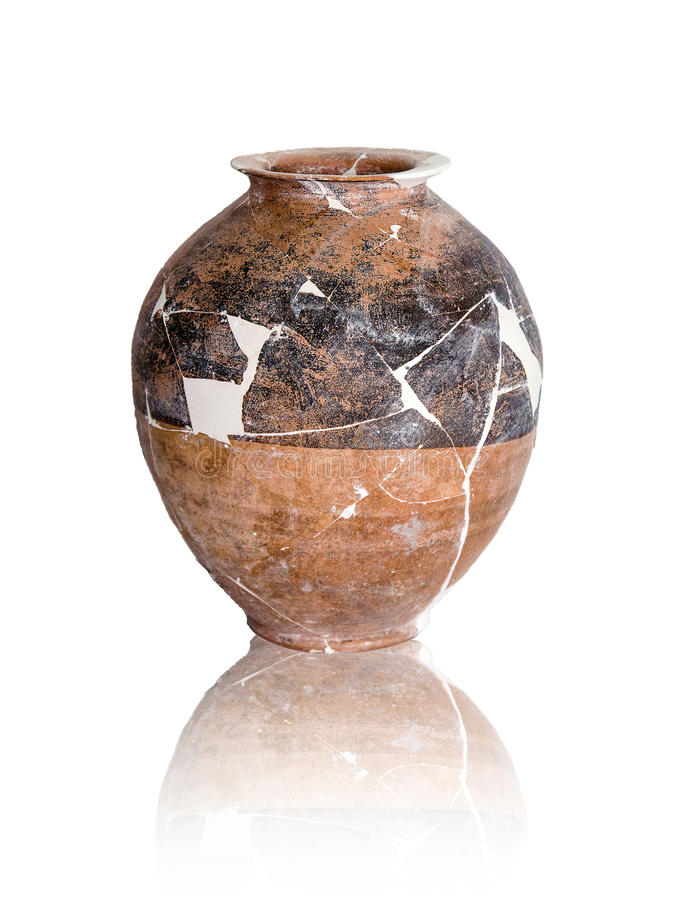 Free Destroyed Ancient Amphoras Stock Photography - 82753342