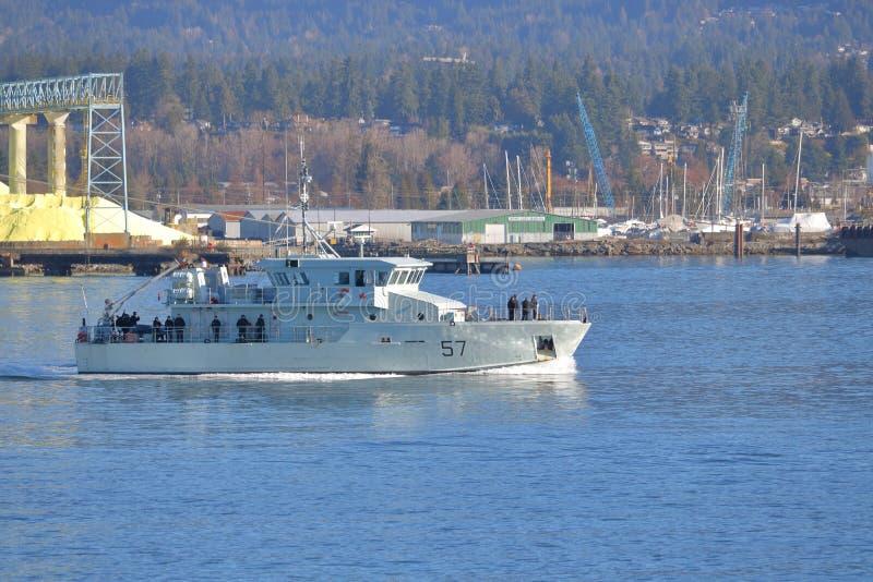 Destroyer et équipage de forces navales du Canada photos stock