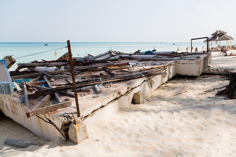 Destruído após o tsunami na ilha no mar de Andaman foto de stock royalty free