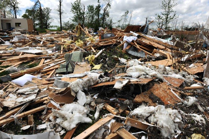 Destrucción después del golpe St. Louis de los tornados fotografía de archivo libre de regalías
