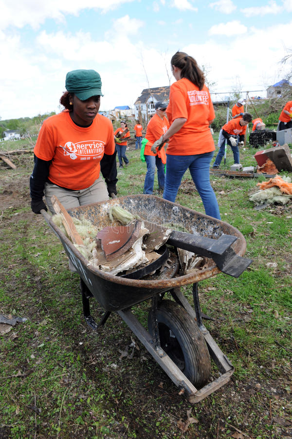 Destruição após a batida St Louis dos furacões foto de stock