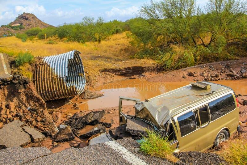 Destruição do carro após a tempestade tropical Juliette, México, o 28 de agosto de 2013 fotos de stock royalty free