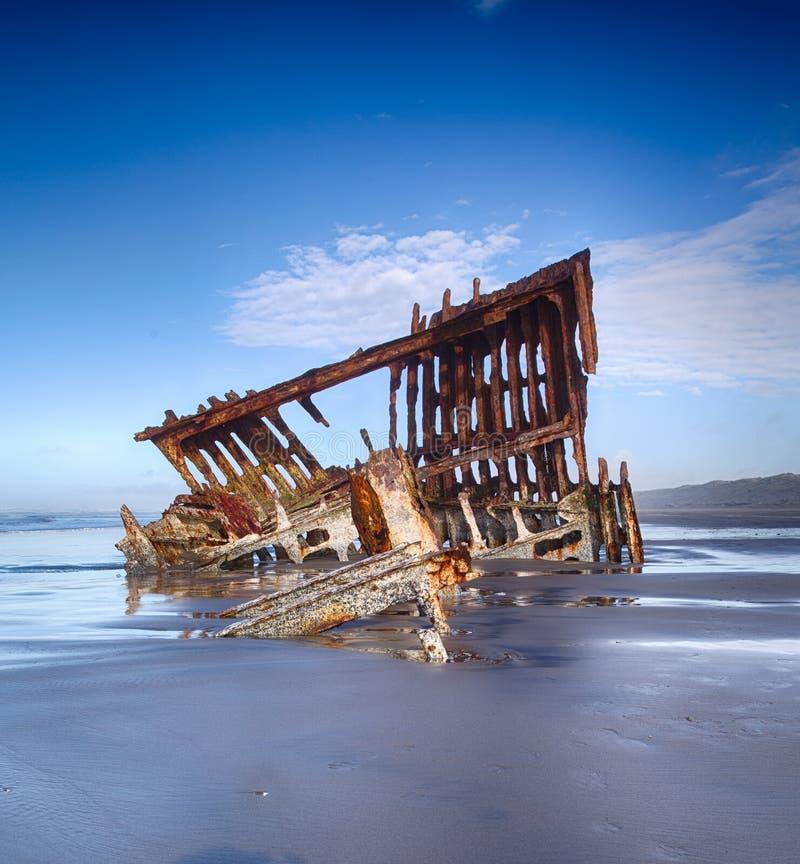 A destruição do navio de Peter Iredale na costa de Oregon fotografia de stock royalty free