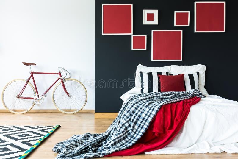 Desván con zona el dormir fotografía de archivo libre de regalías