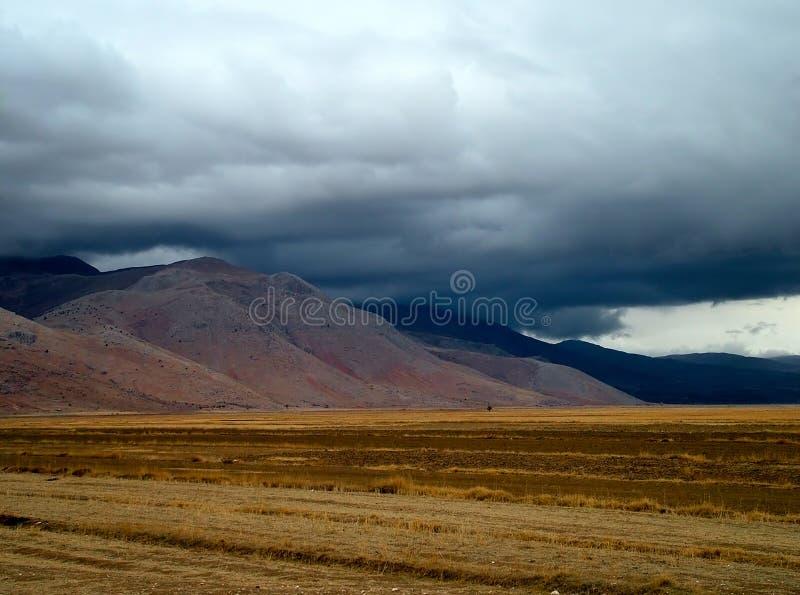 Download Deszcz obraz stock. Obraz złożonej z krajobraz, chmura, nieba - 40955