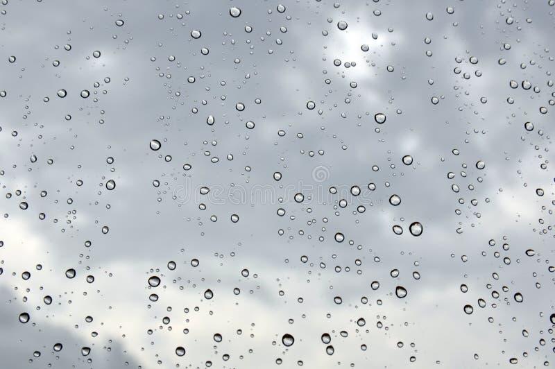 Deszcz krople na okno obrazy stock