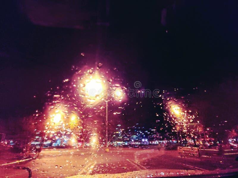 Deszcz krople przy noc? fotografia stock
