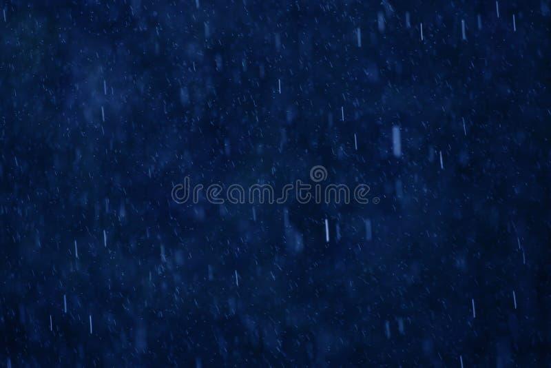 Deszcz na błękicie obraz royalty free