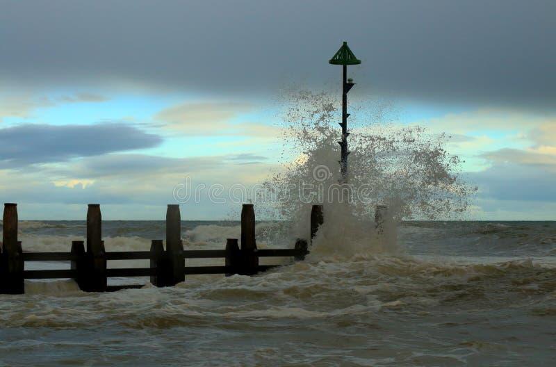 Deszcz na otoczak plaży obrazy royalty free