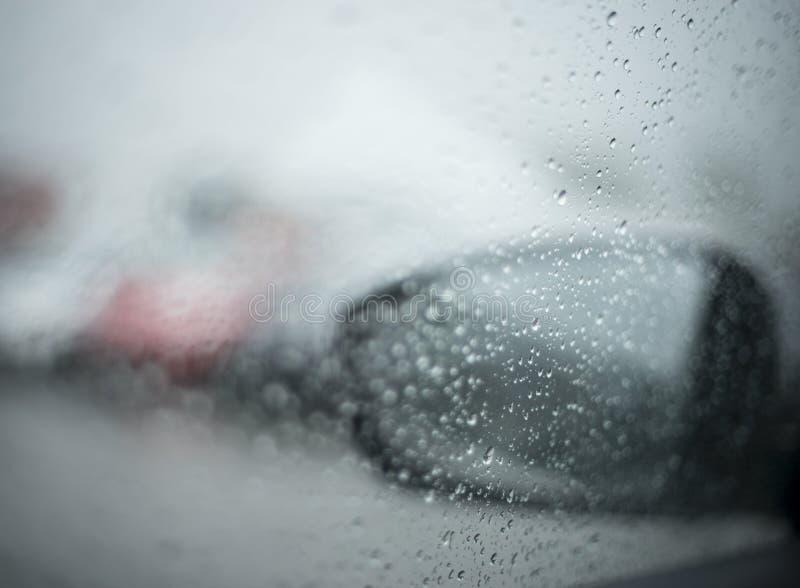 Deszcz na samochodzie obrazy royalty free