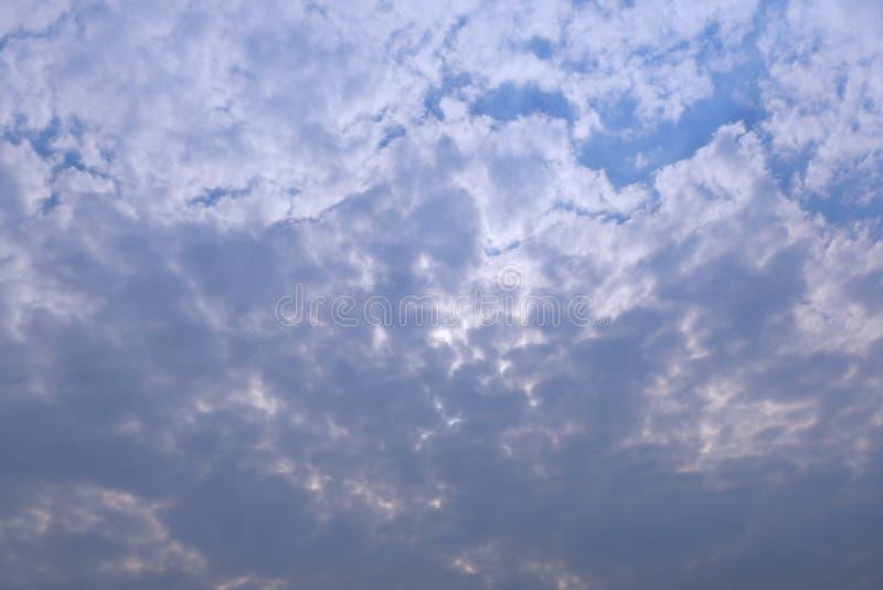 Deszcz przychodzi wkrótce Niebo i Cloudscape fotografia stock