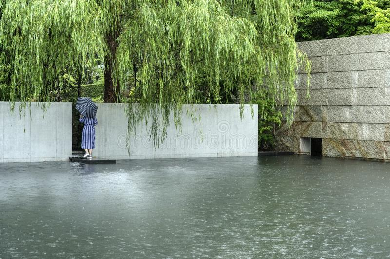 Deszcz w Kanazawa d T Suzuki muzeum, Japonia zdjęcie stock