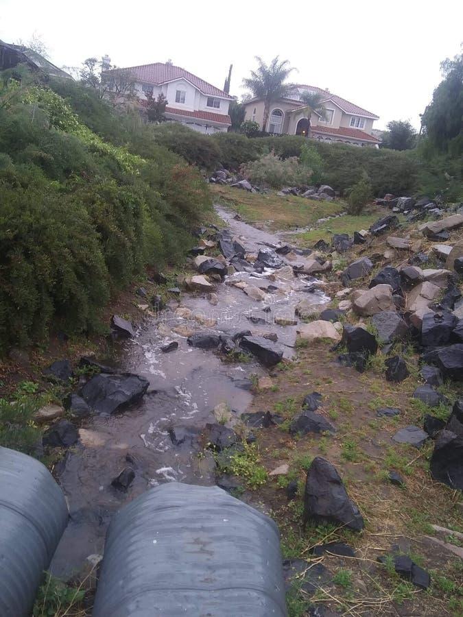 Deszczowi Dni Tworzą jeziora zdjęcia stock
