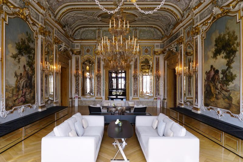 Det Aman Canal Grande hotellet som lokaliseras i Palazzoen Papadopoli i Venedig royaltyfri foto