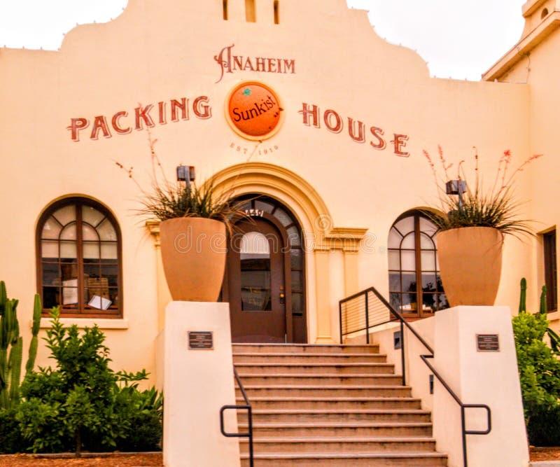 Det Anaheim packinghouseområdet som lokaliseras i i stadens centrum Anaheim, orange län, Kalifornien arkivbilder