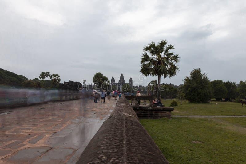 Det Angkor Wat tempelet hänrycker royaltyfri bild