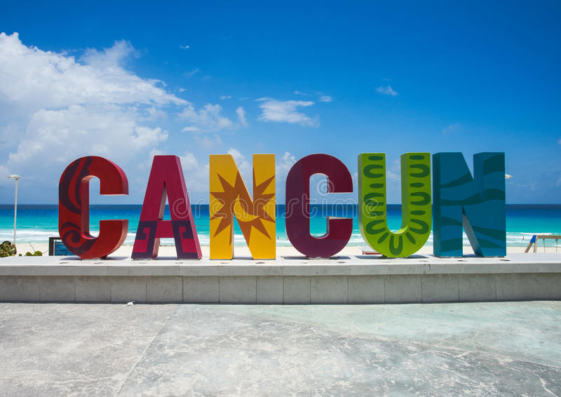 Det berömda Cancun tecknet fotografering för bildbyråer