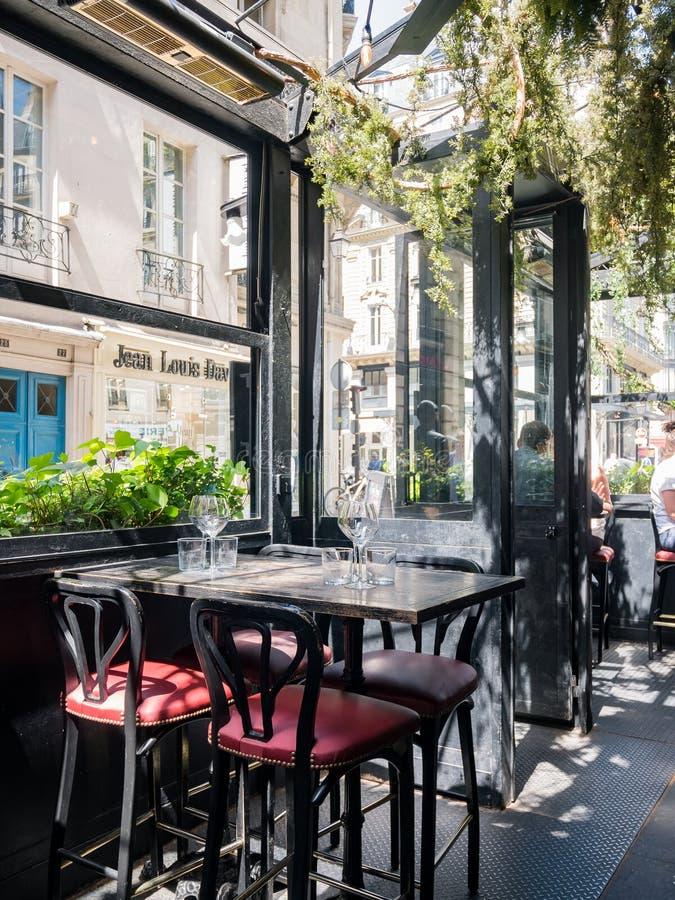 Det berömda let \ 'snigelMontorgueil restaurang arkivbild
