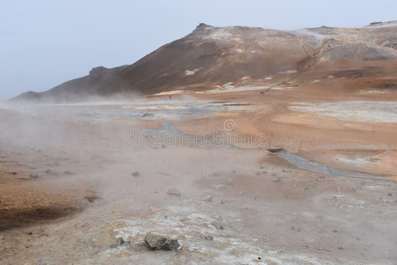 Det berömda röka lavafältet Hverir i Myvatn, Island arkivfoton