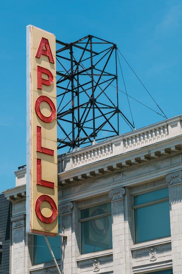 Det berömda tecknet förutom Apollo Theater fotografering för bildbyråer