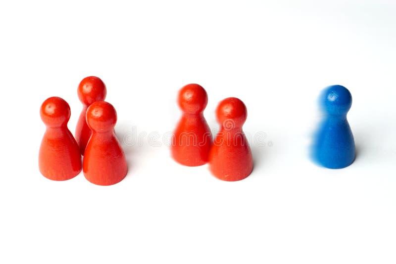 Det blåa diagramet först, leken pantsätter med rörelsesuddighet Begreppet för motivationen, sporten, seger, förlorar eller ledars royaltyfri foto