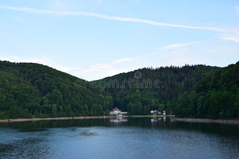 Det blåa sjöhuset arkivbild