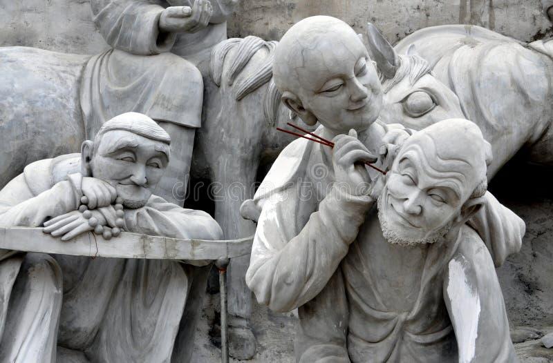 det buddha porslinet figures tempelet för mianyangshengshuien fotografering för bildbyråer
