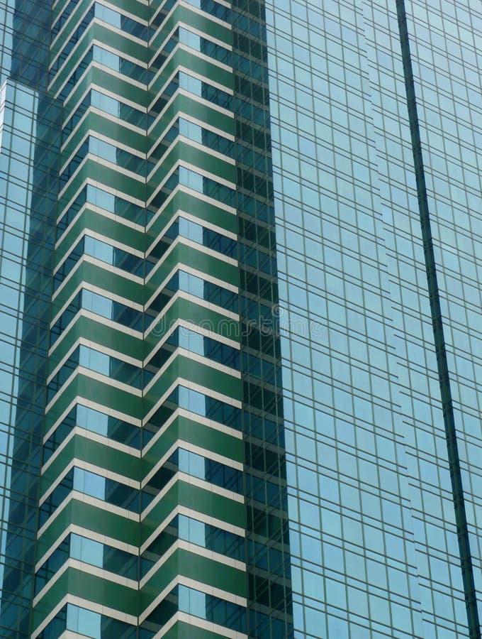 det byggande moderna kontoret mönsan fönster arkivbilder