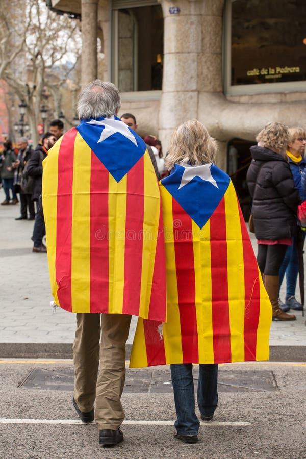 Det Catalan folket på samlar fordrande självständighet för Catalonia royaltyfri foto