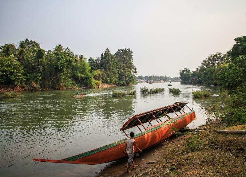 Det di Don al tramonto, si Phan Don, provincia di Champasak, Laos fotografie stock libere da diritti