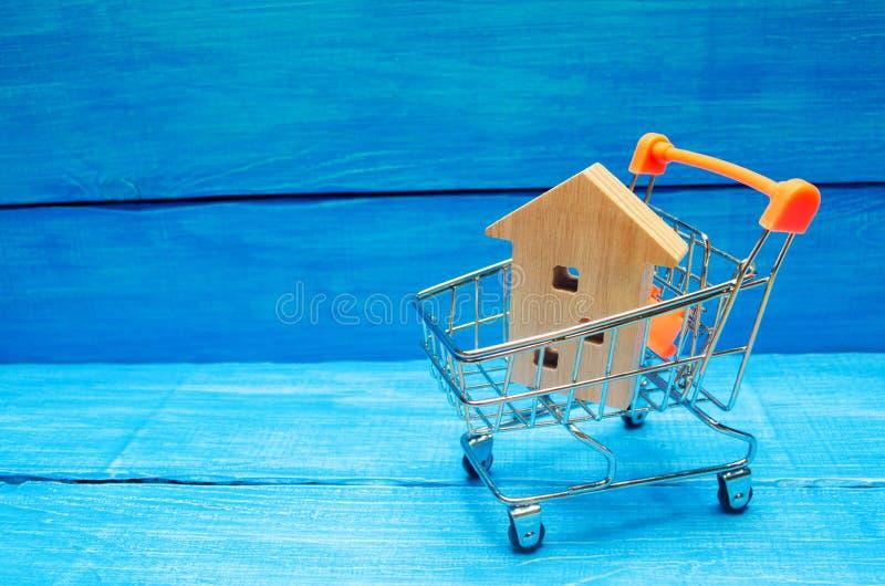 Det egenskapsinvesteringen och huset intecknar finansiellt begrepp köpa, hyra och sälja lägenheter för delshus för gods försäljni arkivfoton