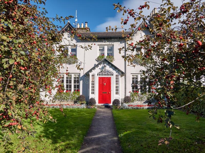 Det Ferndale huset är en härlig mangårdsbyggnad nära Dublin, Irland arkivfoton