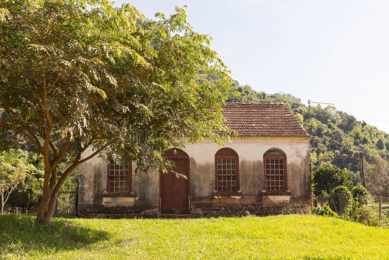 Det forntida huset av europeisk arkitektur 01 arkivfoton