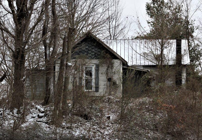 Det gamla övergav hem- stället royaltyfri bild