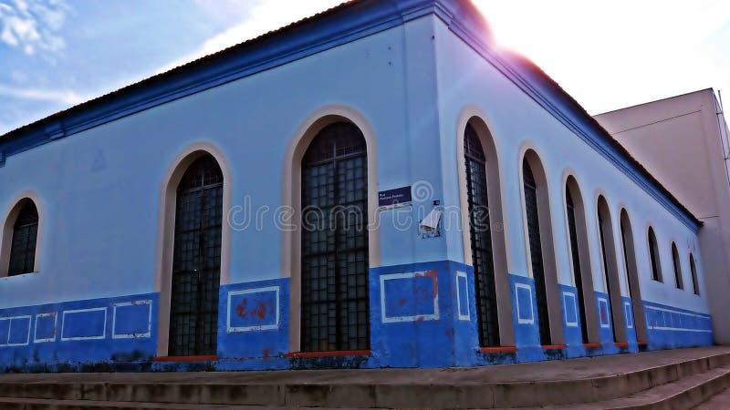Det gamla blåa huset som bevaras fortfarande arkivbilder