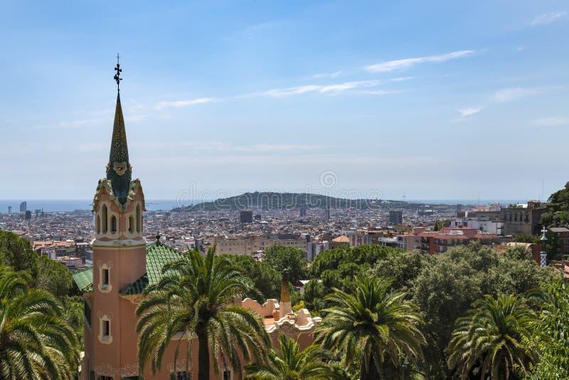 Det Gaudi huset parkerar in Guell arkivfoto