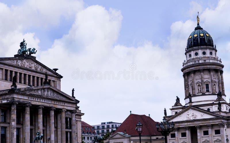 Det Gendarmenmarket området av Berlin huvudstaden av Tyskland royaltyfri bild